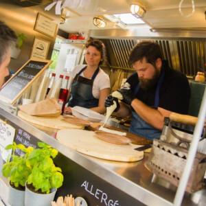 Lehorgonyzott a BazsaLicom – Ha Balatonfüreden jársz, a díjnyertes Food Truck bisztróját nem hagyhatod ki!