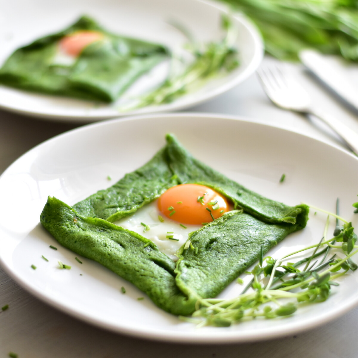 Tavaszi zöldséges palacsinták – paradicsomos, spenótos és rukkolás sztárok a tányérodon