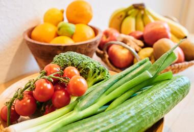A tudomány szerint pontosan ennyi zöldség és gyümölcs kell a hosszú élethez