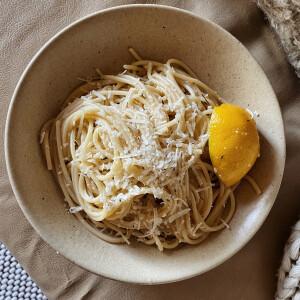 Mit főzzek ma? Hétfőn zöldséglevessel, citromos tésztával és kuglóffal készülünk
