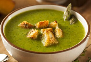 Készítsd el spárgából a tavasz legfinomabb levesét, mi adjuk hozzá a receptet