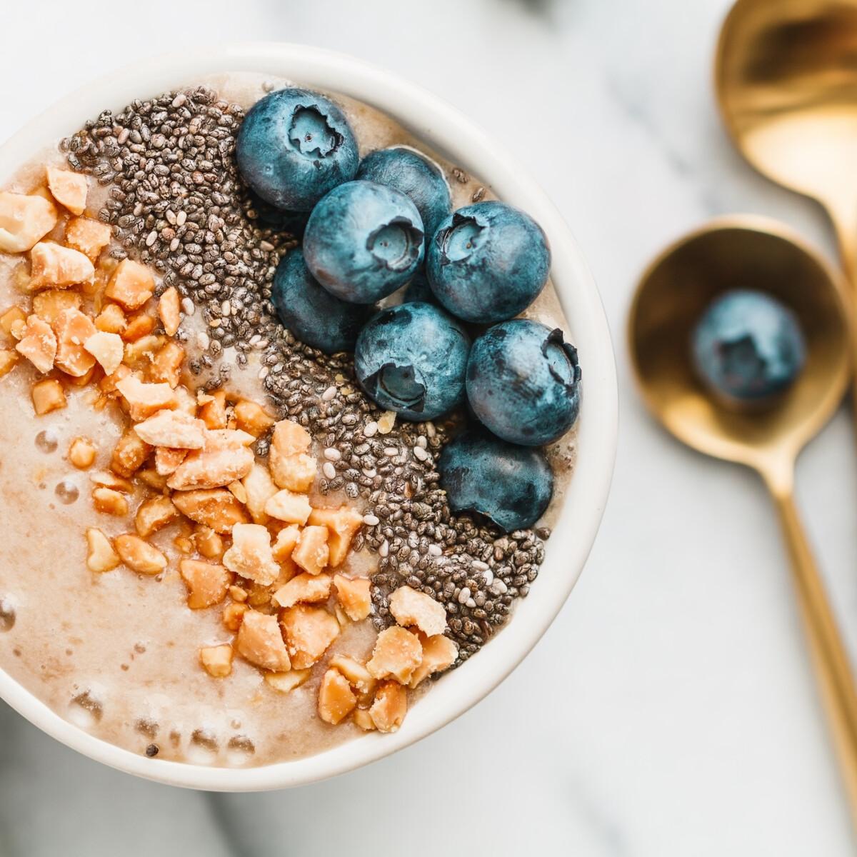A világ most éppen ettől a fehérjedús és tápláló reggelirecepttől őrül meg