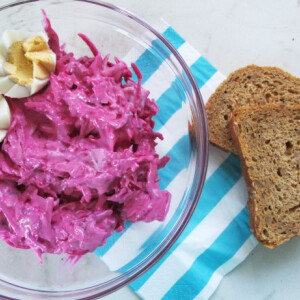 9 gyönyörű pink, majonézes céklasaláta