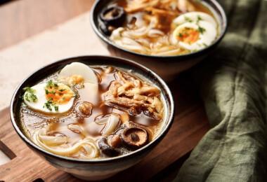 Húsleves sült csirkeszárnyból – Az étel, mely új dimenziókat nyit a főzésben
