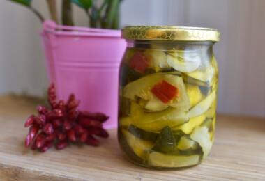 Így savanyítanak az olaszok: tedd el a zöldséget ecettel és olajjal!