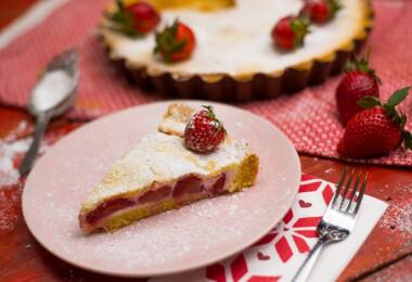8 gyönyörű, epertől rózsaszínes sütemény