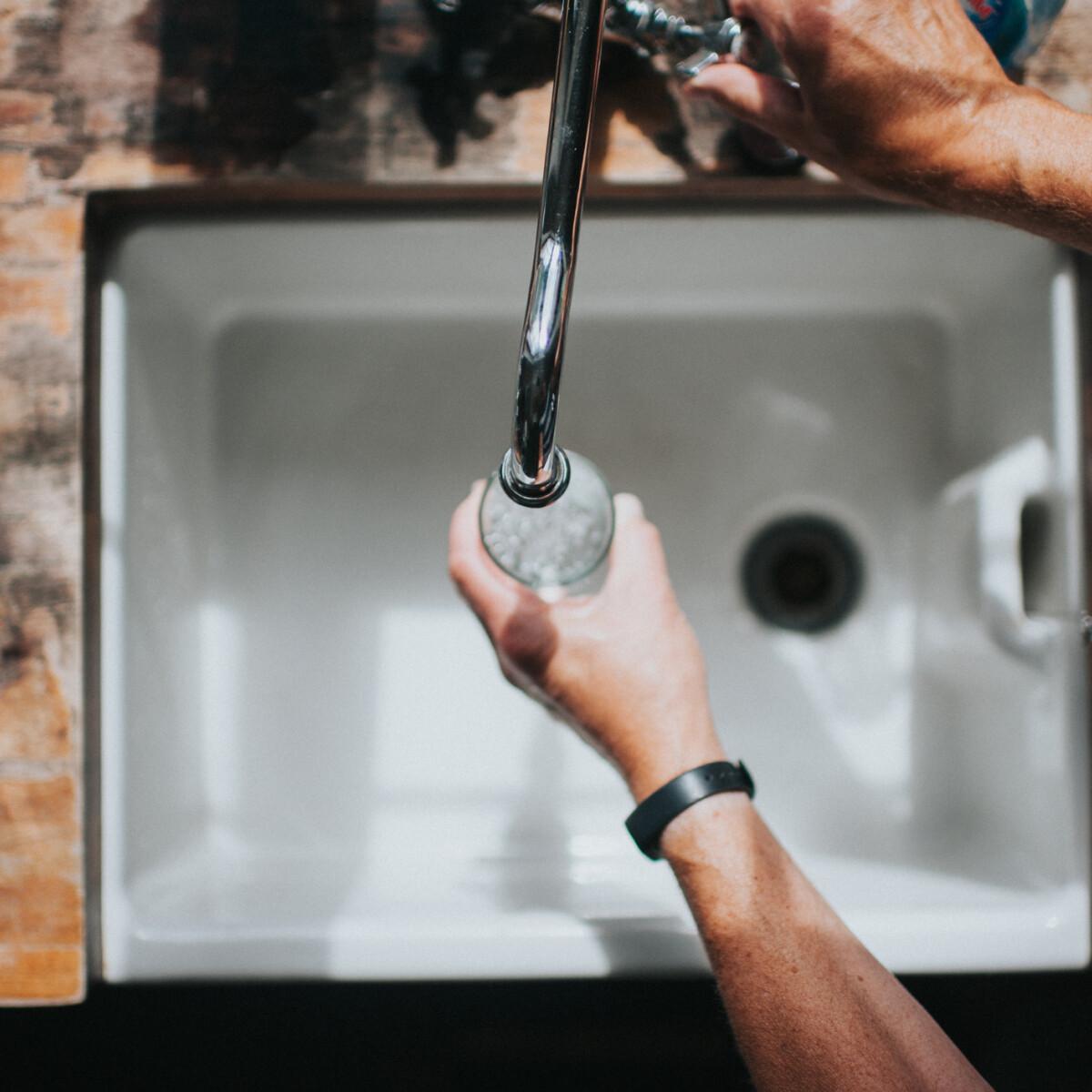 Nem csak a kiszáradás fenyeget, ha nem iszol elég vizet