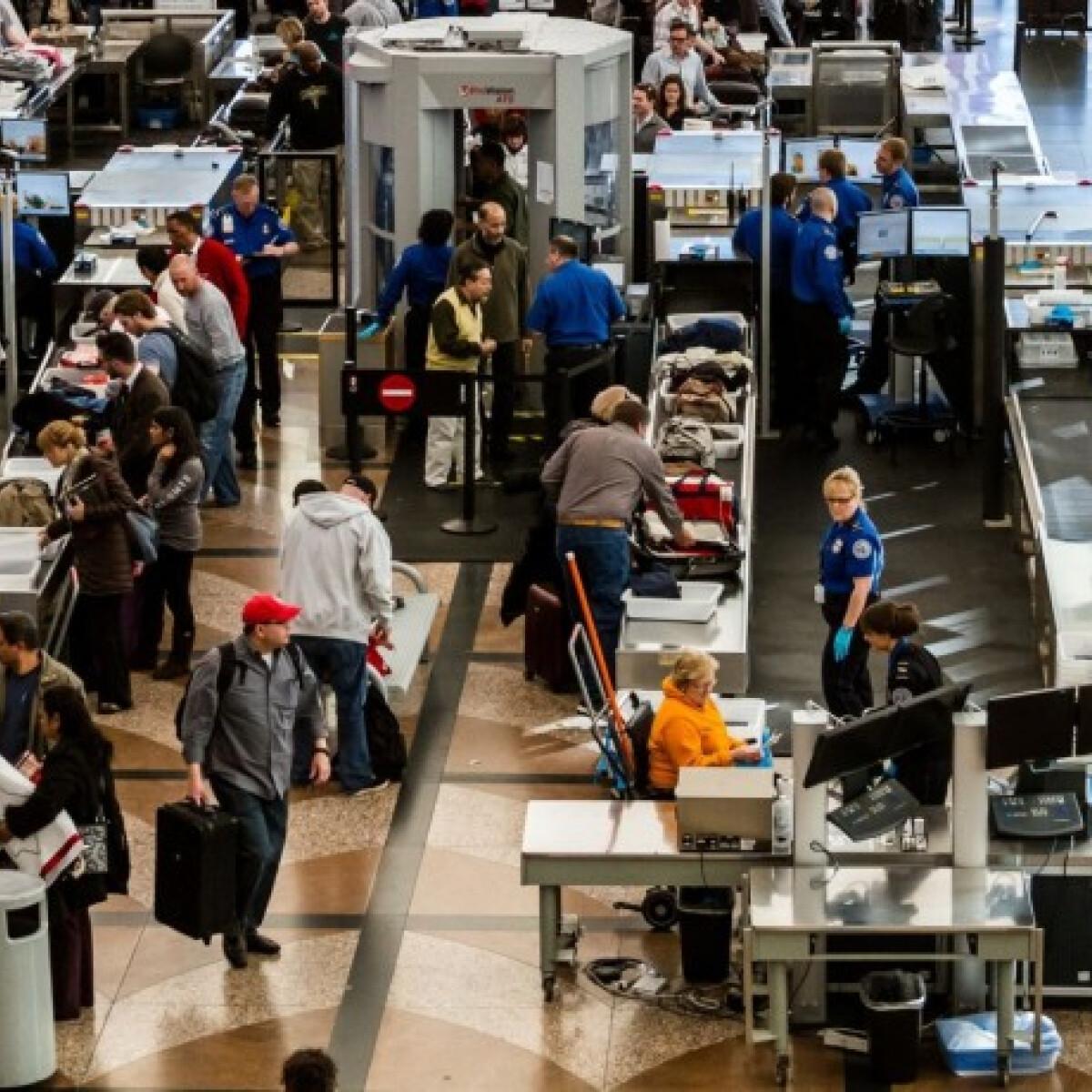 Repülővel utaznál? Mutatjuk mi az a reptéren, ami még a WC-nél is piszkosabb