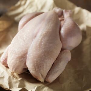Továbbra is megmossák a csirkét a makacs magyarok, pedig nem kéne