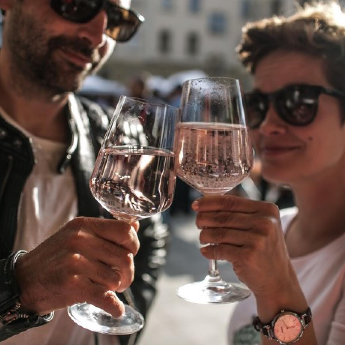 Ehető naptej és pink tonic - ezekkel kísérheted a gourmet fogásokat!