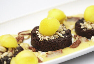 Nándi gyümölcsös brownie-ja