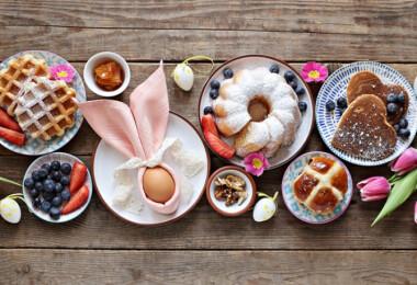 Kreatív tálalási ötletek a különleges húsvéti asztalért