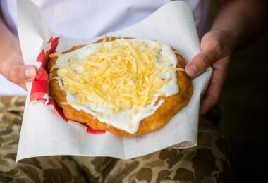 Nettó egymilliós fizetést is elkérnek a szakácsok a Balatonnál