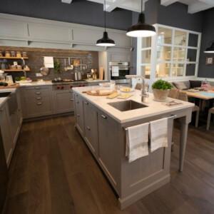 Mi a befutó padlóburkolat a konyhában? Mi már tudjuk!