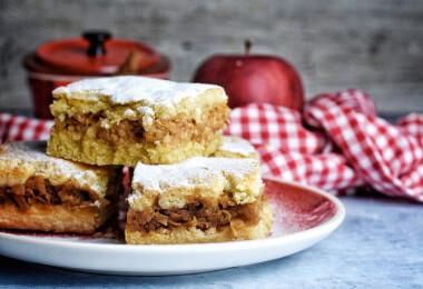 7 gazdag töltelékű, porhanyós tésztájú almás pite