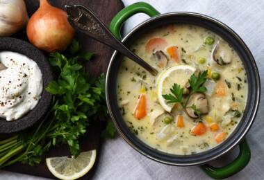 10 csirkés leves a magyarostól az egzotikusig, amivel ajándék a péntek