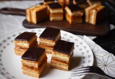 9 nagyon puha, omlós LEKVÁROS sütemény