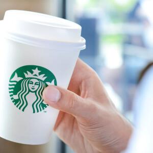 Rasszistának titulált pohárrajz miatt fizet busás kártérítést a Starbucks