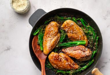8 puha és omlós szárnyas húsétel, amihez már csak egy pohár fehérbor hiányzik