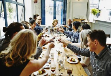 Így segíthetsz egyetlen vacsorával a rászorulókon