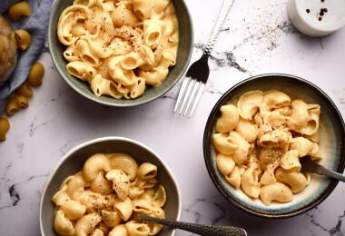 Sajtos tészta újratöltve! – Mutatjuk az egyedényes, 30 perces MAC AND CHEESE receptjét