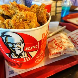 Börtönbe kerültek a diákok, akik csirkét rendeltek a KFC-ből