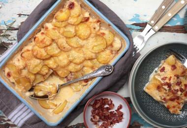 Mit főzzek ma? Borsókrémlevest, baconös rakott krumplit és mákos kockát!