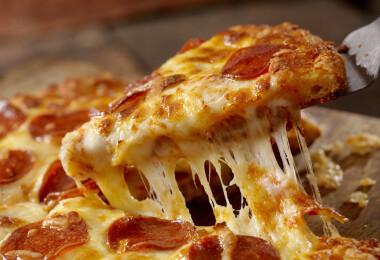 Kiderült, miért lehet akár egészséges is a pizza reggelire