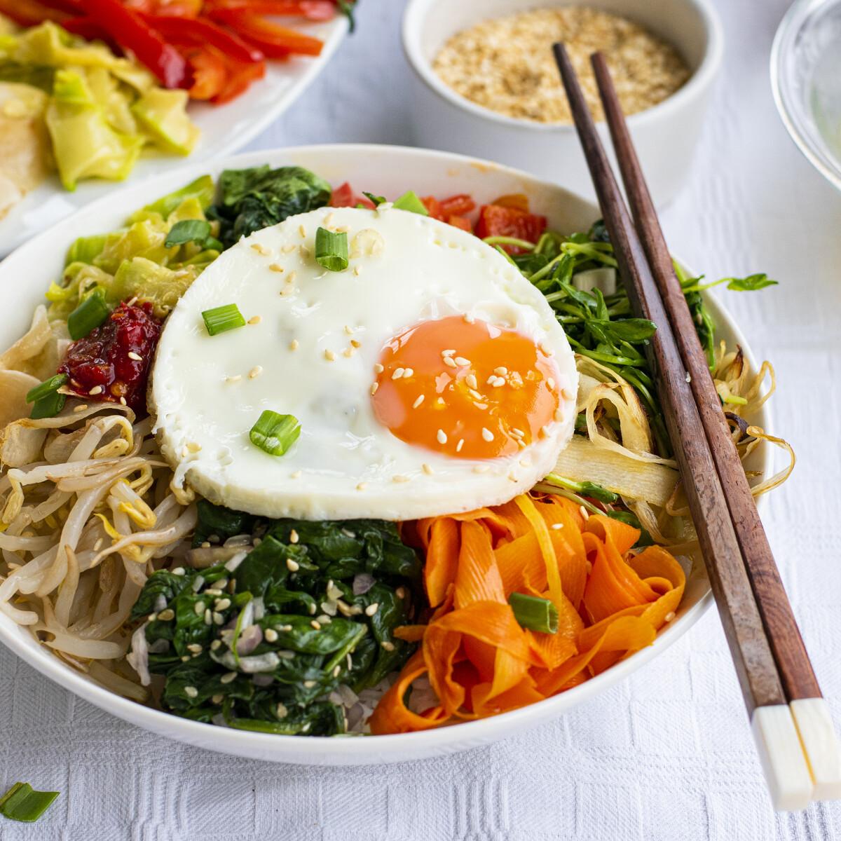 Bibimbap: így készül a szép és egészséges koreai egytálétel