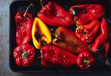 Sült paprika, a nyári sláger: grillen, sütőben és tűzhelyen is elkészítheted