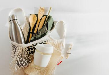 Döntött a Nébih: illegális a bambusz evőeszköz és pohár
