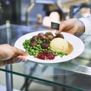 AZ IKEA forradalmasította kedvenc húsgolyóját - egy nem kicsi csavarral