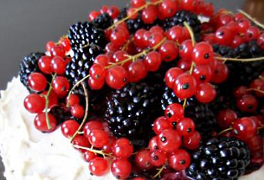 Gyümölcsös red velvet cake