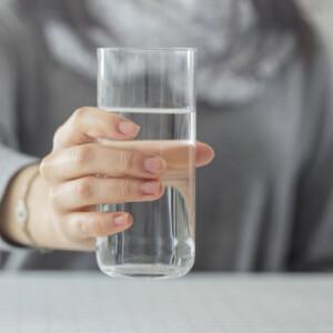 Vajon meg lehet inni napi 2,5 liter folyadékot? Mi kipróbáltuk!