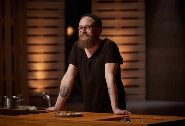 Három Michelin-csillagos séfekkel forgatott, most a Konyhafőnökben főz Kiss Norbert Ádám – interjú