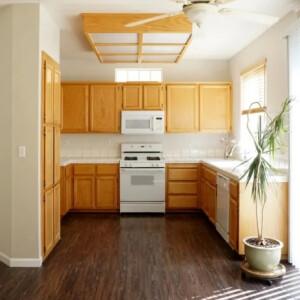 Elképesztő, milyen kevés változtatással kelt új életre ez a kis szürke konyha!