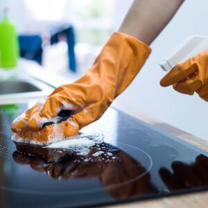 Amit a kerámia tűzhely tisztításáról tudnod érdemes