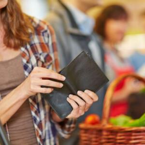 10 megfontolandó tanács vásárlásnál, hogy ebben a hónapban több pénz maradjon a pénztárcádban