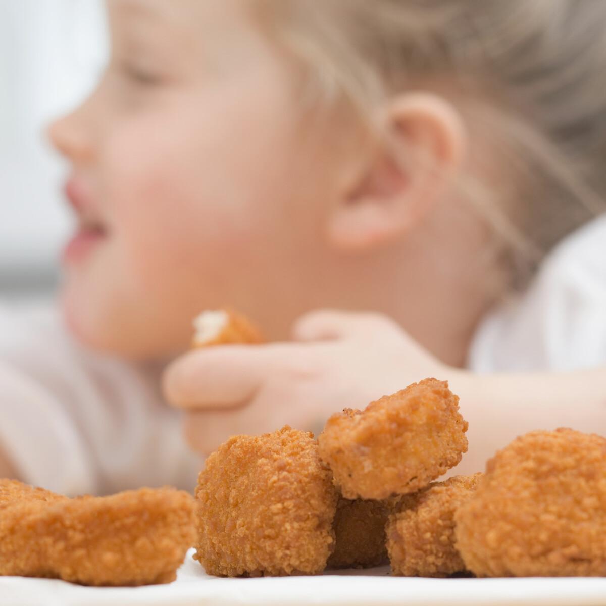 Rengeteg pénzt követel a vegetáriánus nő a bébiszittertől, mert húst adott a gyerekeinek
