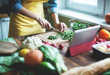 5 kérdés, amit mindenképpen tegyél fel magadnak, ha az internetről főzöl
