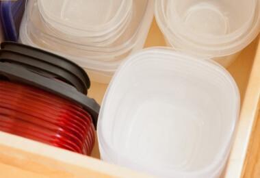 Így szüntesd meg a műanyag tárolódobozok hegyeit!