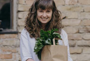 """""""A zöldségek, gyümölcsök, olajos magvak íze, színe, alakja a világ egyik csodáját jelenti"""" – Vida Katalint könyvéről kérdeztük"""