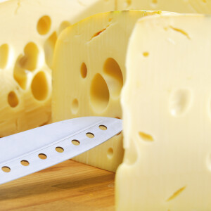 Figyelem: üvegdarab lehet a Lidl egyik sajtjában!