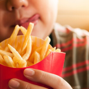 Kiderült, mi a gyerekkori elhízás legfőbb oka