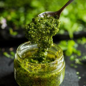 Így helyettesítheted a parmezánt a tökéletes vegán pestóban