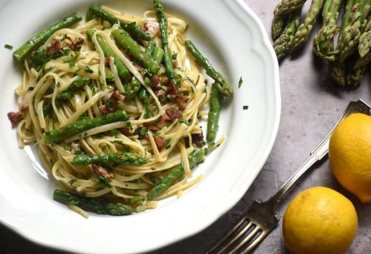 zoldsparga-salata-carbonara-spargaleves-rizotto