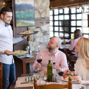 Felszolgálók árulták el, mi az a 10 dolog, ami idegesíti őket a vendégekben