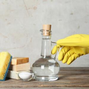 Tényleg elég ECETTEL takarítani a lakásban? Itt a hatóság válasza!