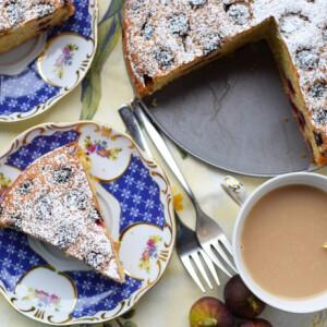 Kultúrfelvágott: elkészítettük a Csengetett, Mylord? Mrs Liptonjának meggyes pitéjét