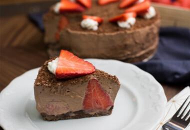 9 könnyen elkészíthető, csodásan finom sütés nélküli torta anyák napjára is